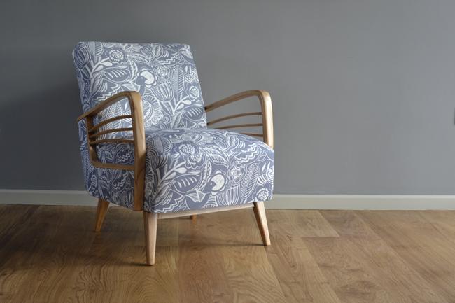 Chair web
